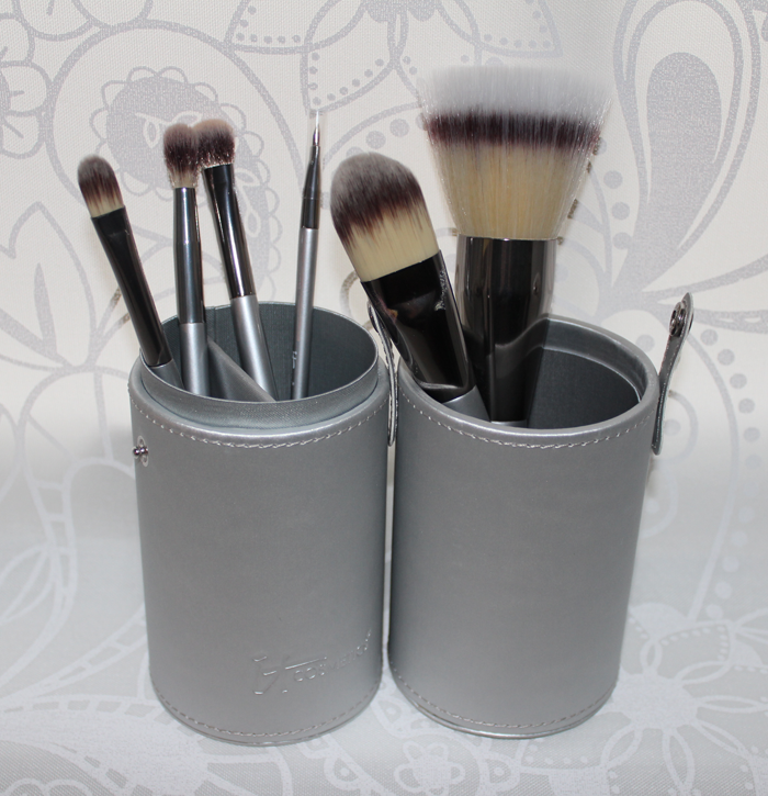 Review ~ IT Cosmetics Limited Edition Heavenly Luxe Vanity Brush Set