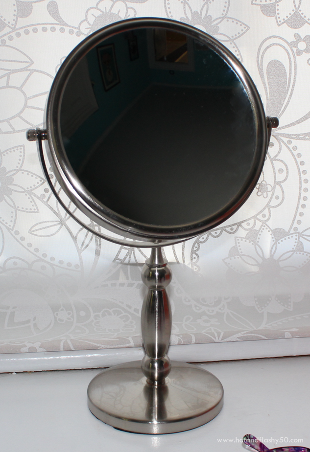 mirror mirror help me see magnifying mirrors for older women. Black Bedroom Furniture Sets. Home Design Ideas