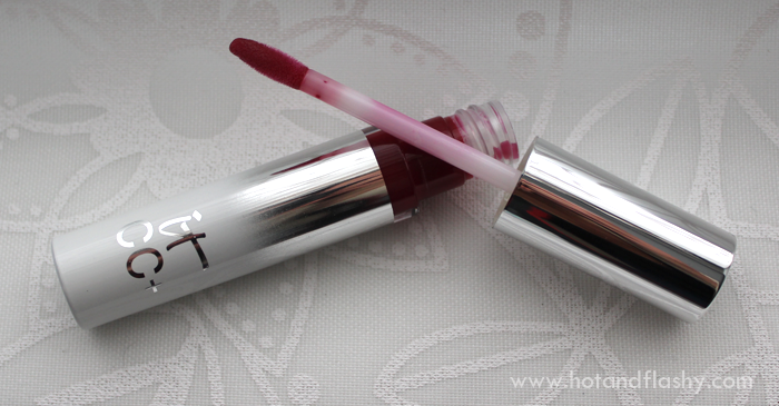 IT Holiday Lip Mistletoe
