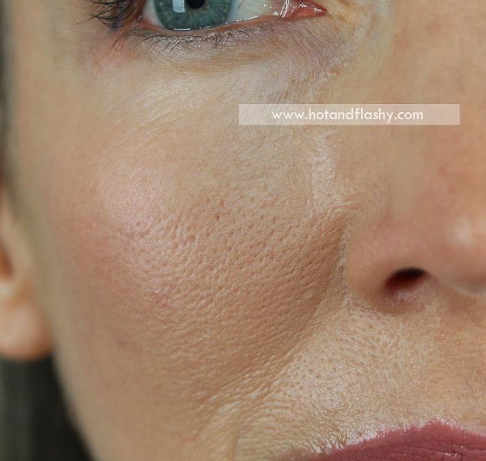 Bare Minerals Complexion Rescue Tinted Hydrating Gel Cream ~ Close Up of Pores
